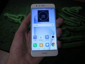 Удобство Huawei Honor 8