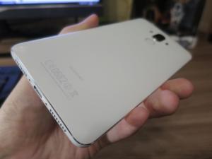Задняя спинка смартфона Huawei Mate 9