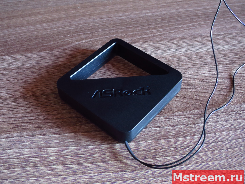 Антенна Wi-Fi и Bluetooth на материнской плате ASRock Fatal1ty Z370 Gaming-ITX/ac