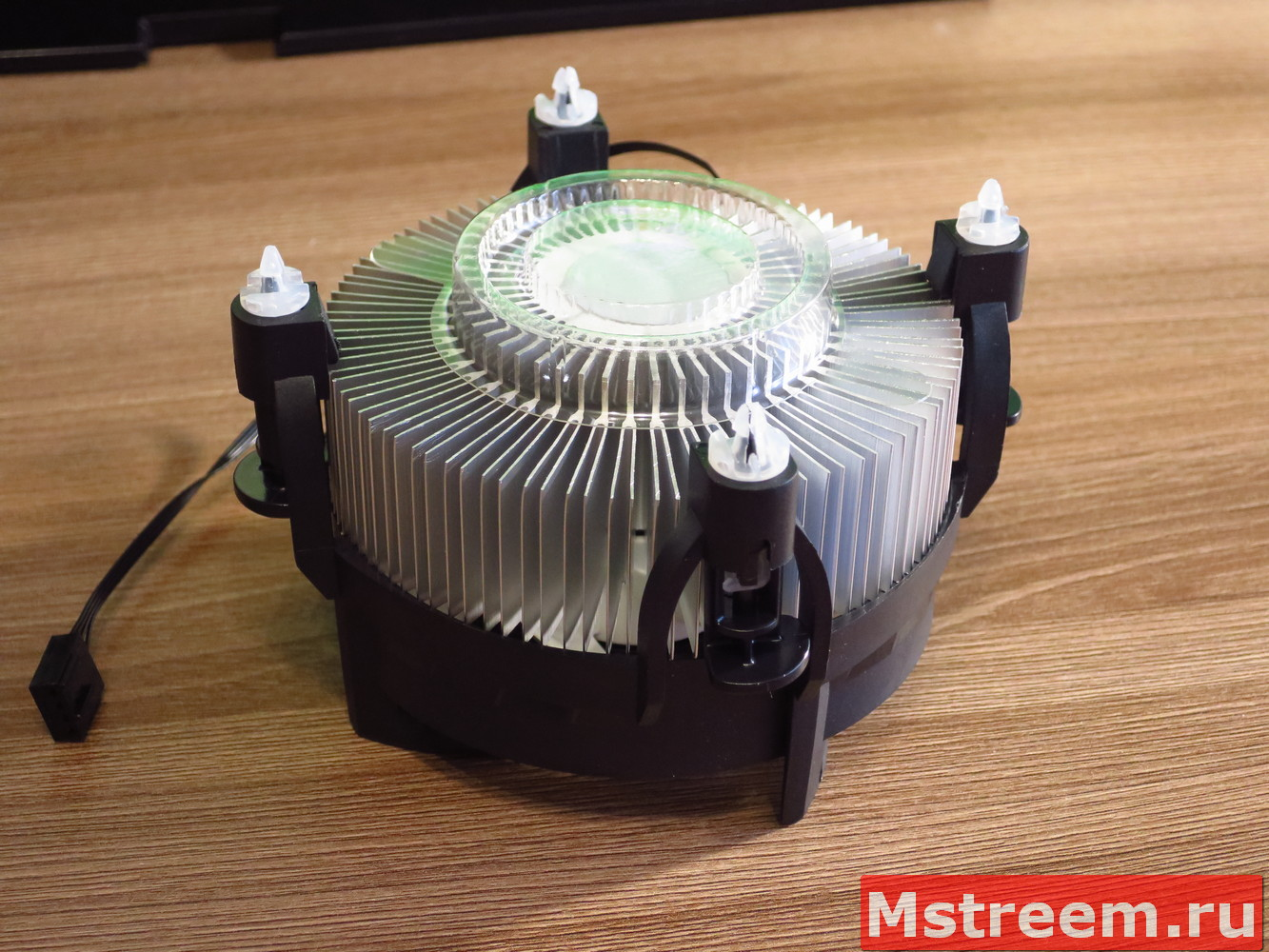 Термопаста Arctic MX-2 на кулере Arctic Alpine 12