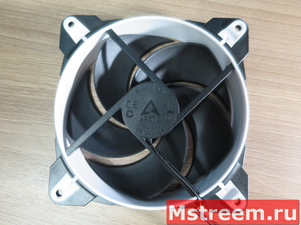 Обзор корпусного вентилятора Arctic BioniX P12