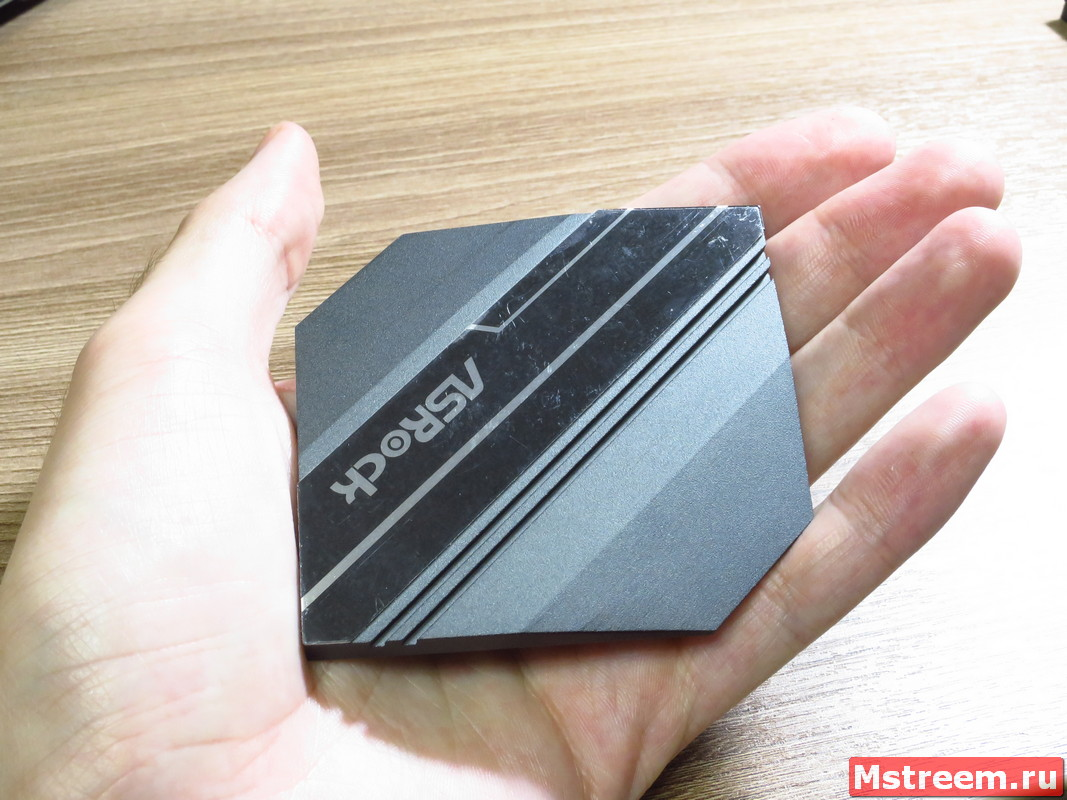 Охлаждение чипсета на материнской плате ASRock Z390 Extreme 4